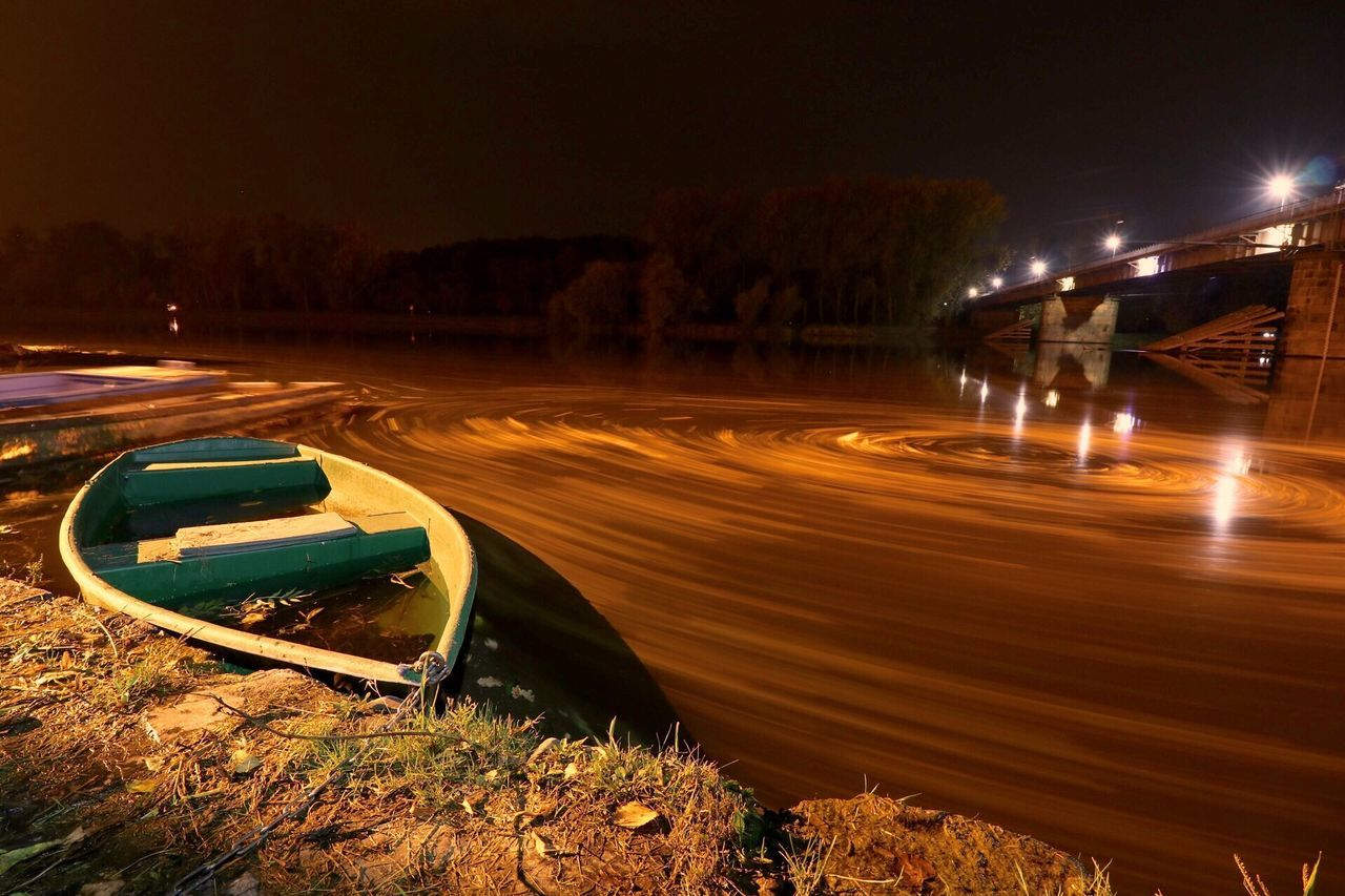 Vortex Night Outdoors Boat Nature Water Long Exposure LongTime  Labe Czech Canonphotography Canon80d Beauty In Nature Nightphotography