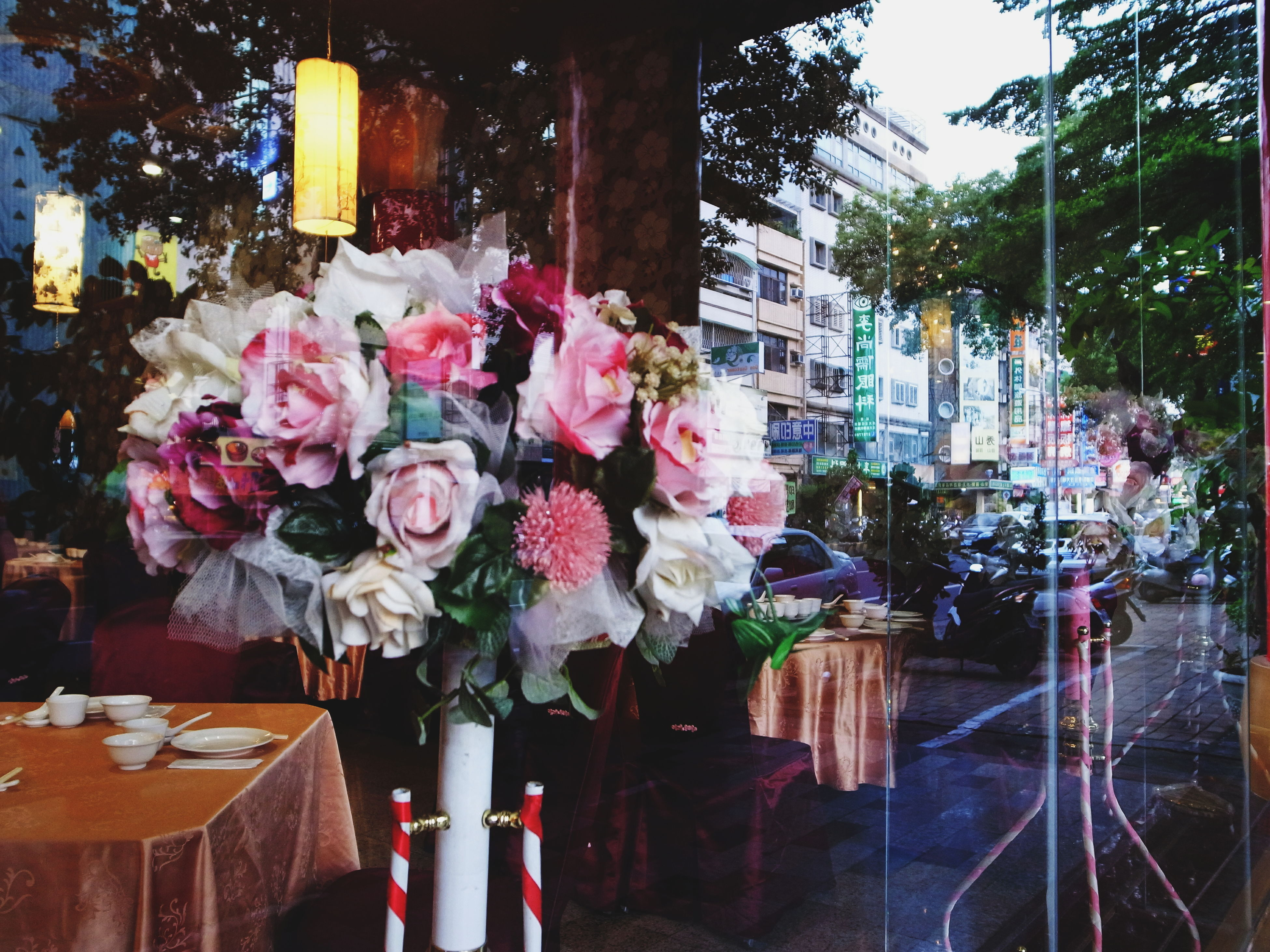 flower, fragility, freshness, petal, decoration, rose - flower, built structure, architecture, bouquet, building exterior, potted plant, vase, flower head, growth, pink color, plant, beauty in nature, blooming, bunch of flowers, nature
