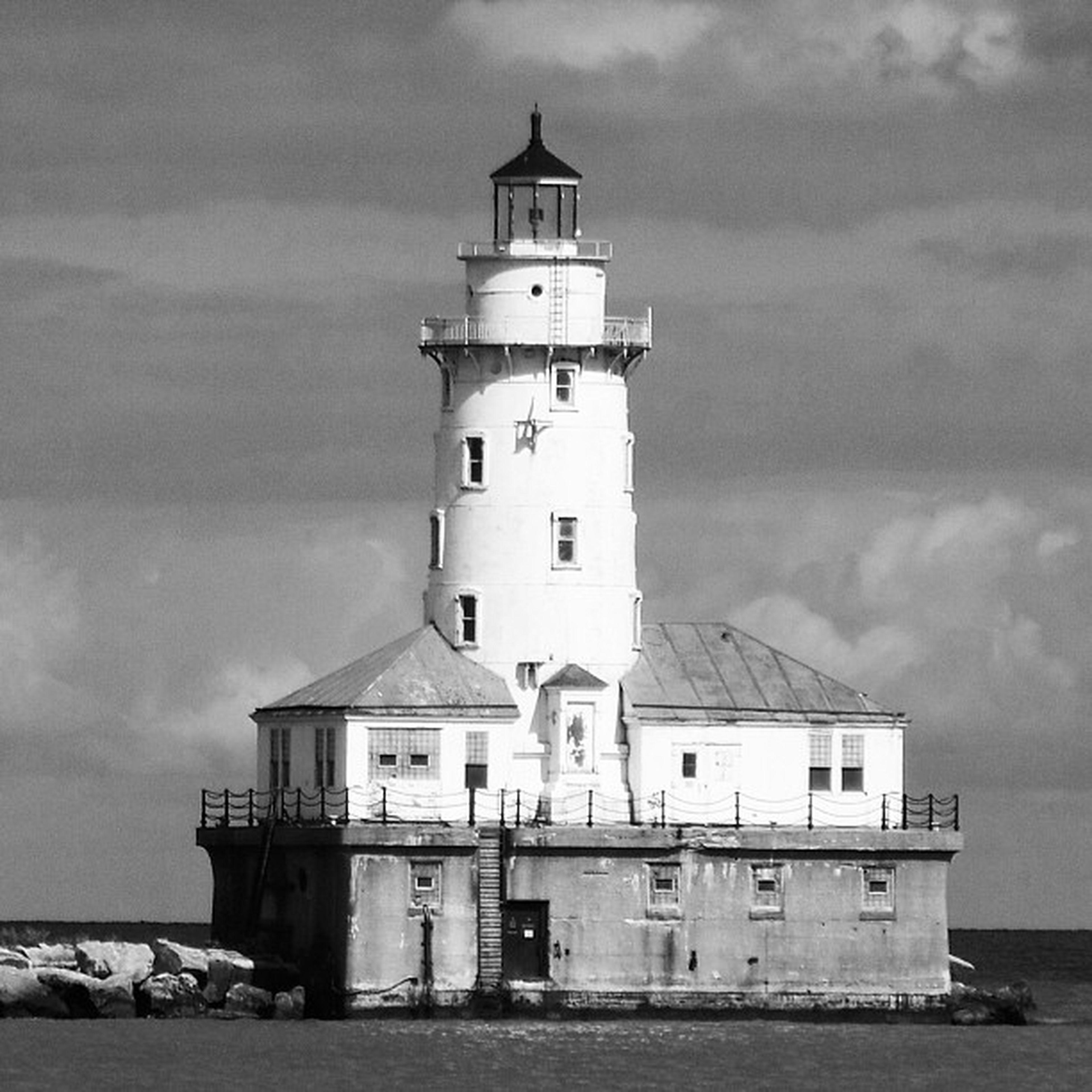 Piers Edge Water Old Chicago Light Blackandwhite Glass Lighthouse Concrete Pier Illinois Navypier Pictapgoapp Piersedge