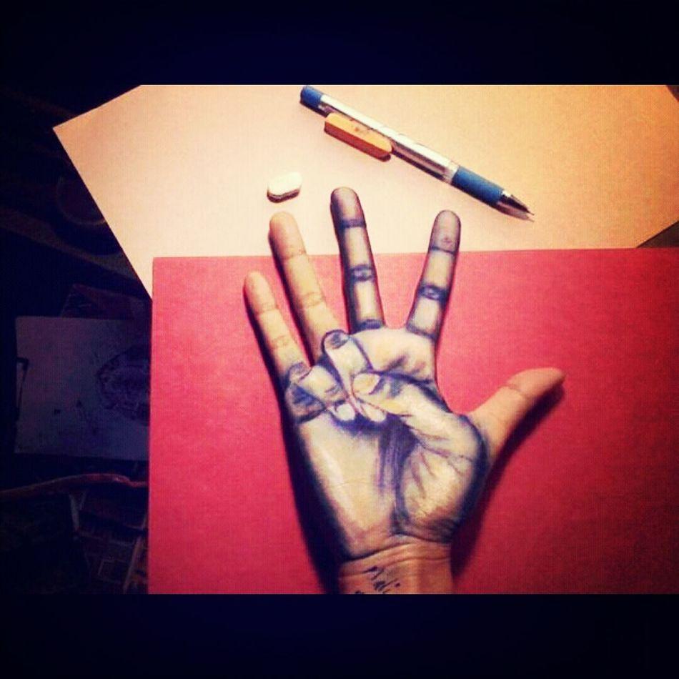 Hand 25