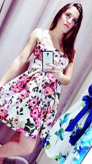 Rinascimento Dress Shopping Spring Flowers Pink Roses Greenday Browneyes BrownHairDontCare Happyness Sweet16 Iloveit