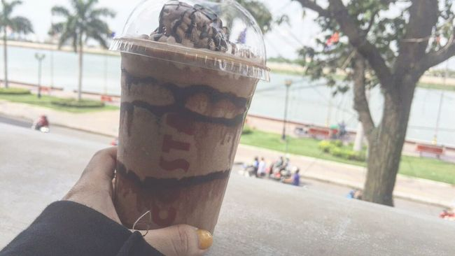 Costa Coffee River Side Good Chat Good View From Top Never Get Tired No Worry No Sorrow <3