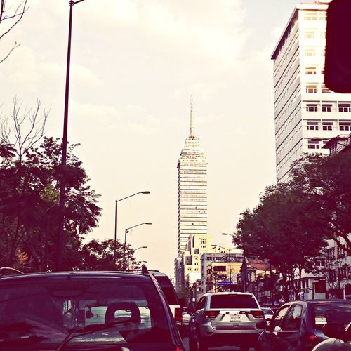 Un vistazo de la torre latinoamericana Architecture Cityscapes Love #time #inlove #bestcouple Love #TagsForLikes #TFLers #tweegram #photooftheday #me #instamood #cute #iphonesia #fashion #summer #tbt #igers #picoftheday #