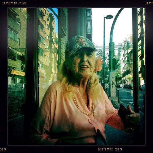 La Roja Streetphotography StreetsWithPeople