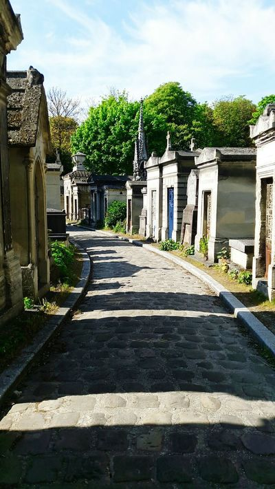 Cimetière Du Père Lachaise No People Paris France Sunshine