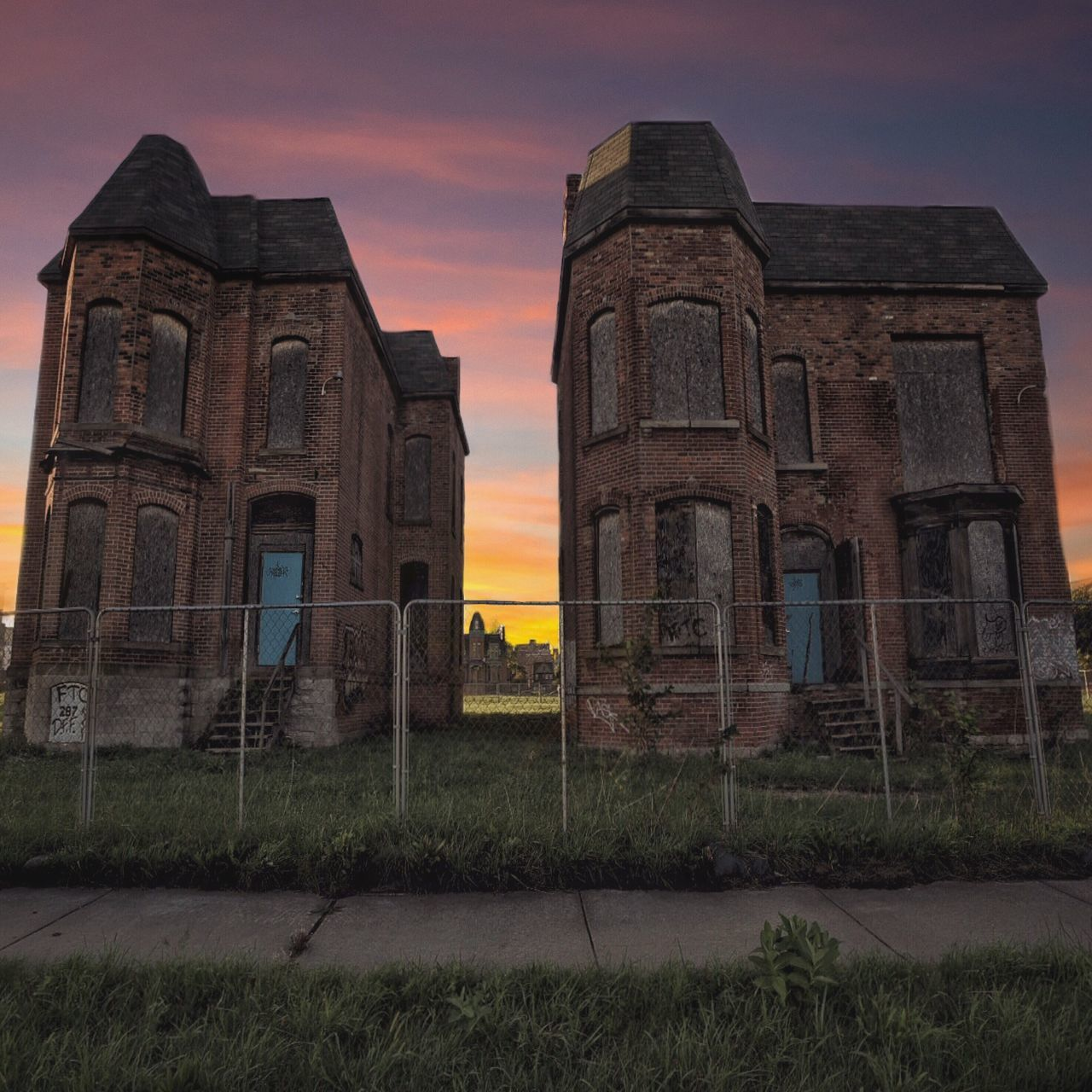 Real estate shopping Architecture Sunset Built Structure Building Exterior Sky Grass No People History Abandoned Outdoors Cloud - Sky Nature Ancient Civilization Day Sunset_collection Sunset Silhouettes Sunsets