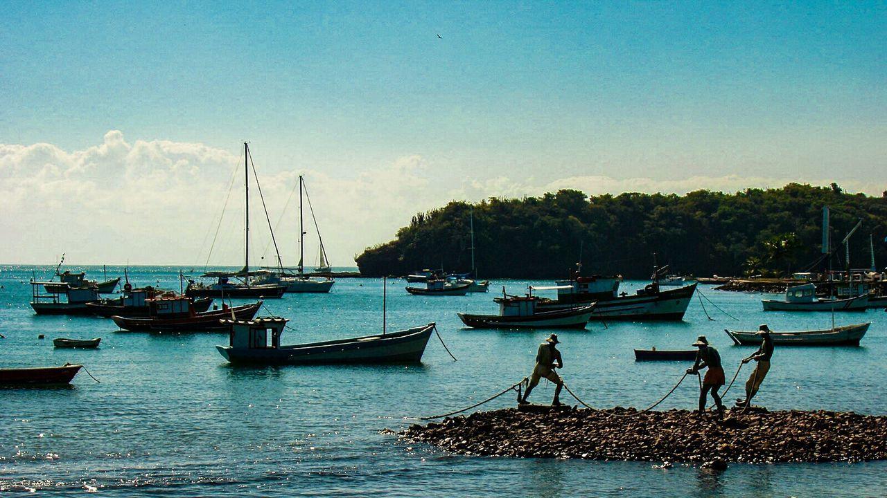 People Of The Oceans Buzios Buziosrj Fisherman Fishermen Fishermen Statue Statues Fishermen Silhouette Fishermen Working Sea And Boats ExploringBrazil Litoralcarioca Buzios-RJ Boats Statues In The Sea Travel Destinations Travel Fishermen's Memorial