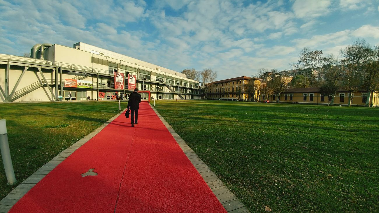 Red Two People Adult People Sport Healthy Lifestyle Women Full Length Architecture City Built Structure Outdoors Grass Nature Santralistanbul Santral Turkey Istanbul Bilgiuniversity Bilgiüniversitesi University University Campus