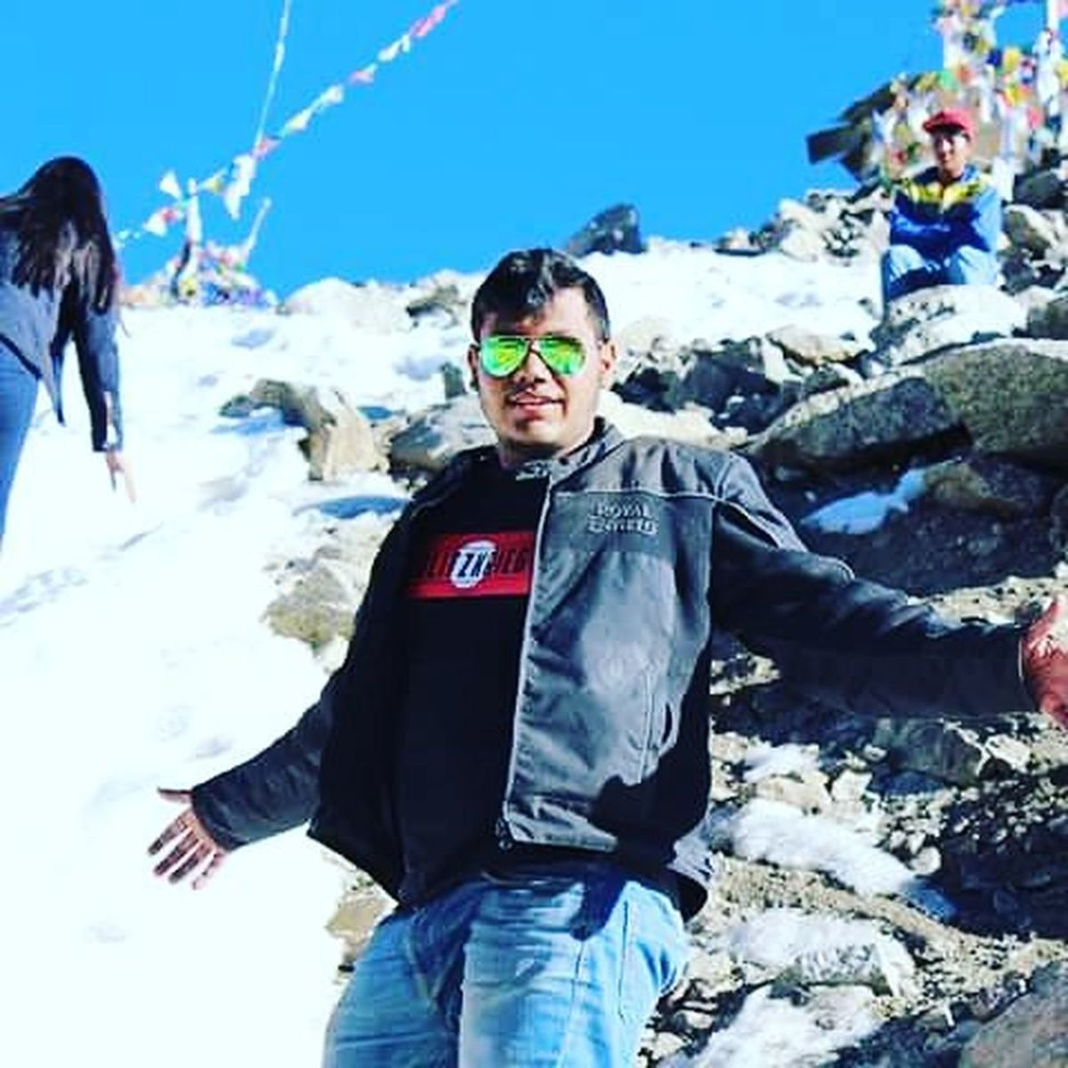 Ride to the highest road in the world MotorcycleDiaries Biker Cold Royalenfield Ladakhdiaries Royalenfield Beautiful Brcpune Landofthefree Mountains Peace Beautiful Ice DirtyAsHell Gears