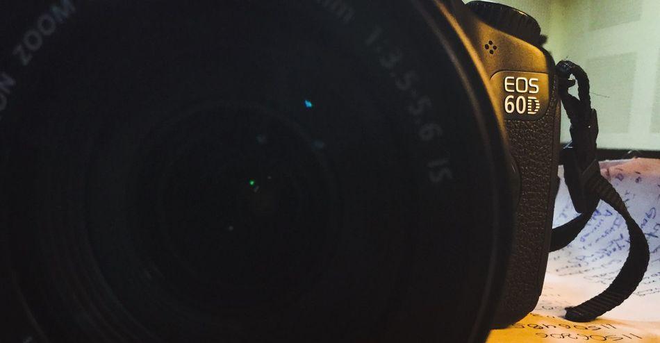 Canon 60 D Camera Click Say Click Canonphotography Ipad Click Lens - Optical Instrument Model Type Say Colour Hidden Faces Preparing For Program Design