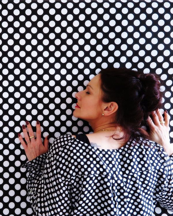 Real People Lifestyles One Person Indoors  Curly Hair Young Women Day People Human Body Part Close-up Adult Dots Dots Everywhere Equality Directly Above Portrait Portrait Of A Woman Especially Better Look Twice Hands Same  Same But Different Pattern Pattern, Texture, Shape And Form Women Around The World The Portraitist - 2017 EyeEm Awards