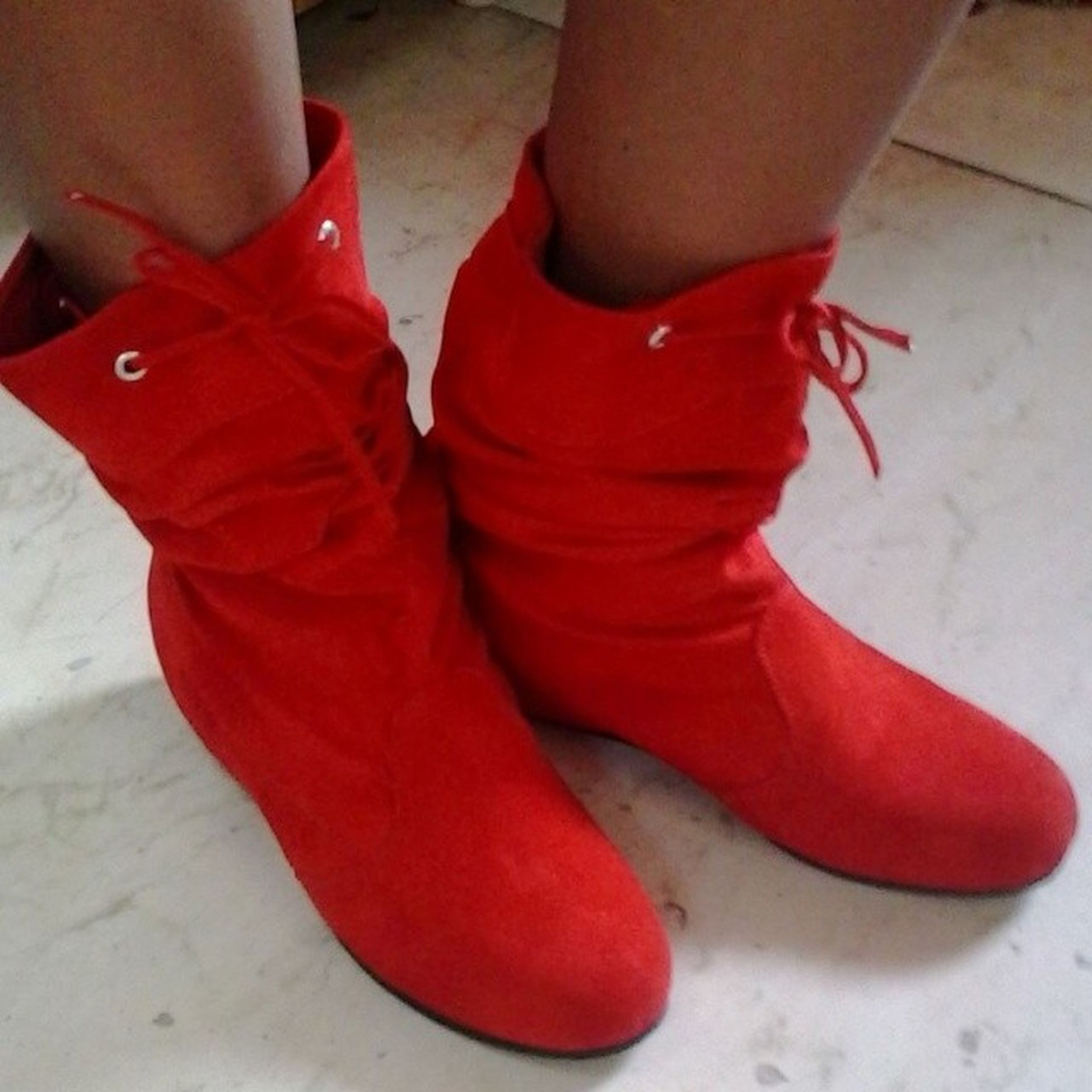 Red Redboots Redshoes Newshoes Winterishere Santasshoes Laces Allthingsred Allthingsnew Christmas Christmascolours Nofilter Instared Instashoes Instadaily Instaseason Instaaddict Instamine Instahappy Happy Me LoveThem