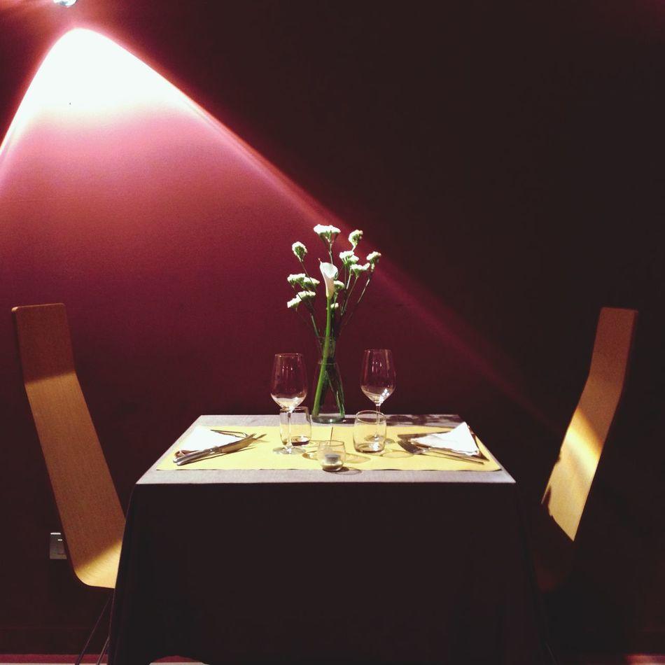 Cenando... Great Atmosphere Interior Design Taking Photos Lifestyle