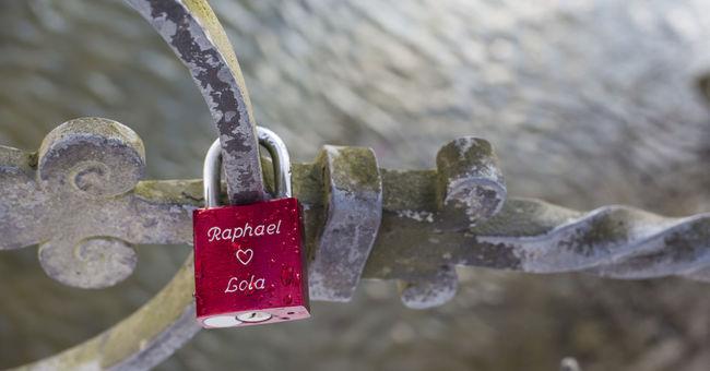 Bridge Brücke Brücken Liebesbrücke Liebesschlösser Love Locks Love Locks Bridge Schloss Vorhängeschloss