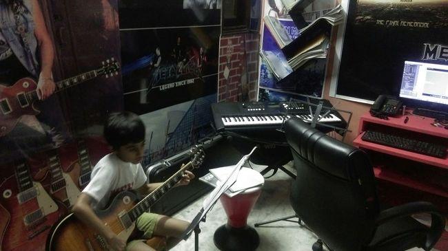 Jazzelinn Guitar School Guitar Lessons