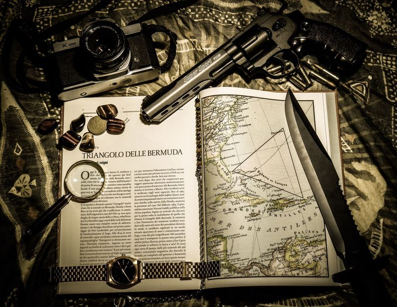 Text Old-fashioned Books Exploring Trip Bermuda Triangle Gun Paper Document Taking Photos