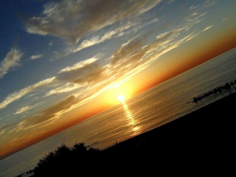 Disequilibri crepuscolari a Capodorlando Sicily Mediterranean Sea Sunshine Orange Sky Lightshow Capture The Moment 43 Golden Moments Capo D'Orlando