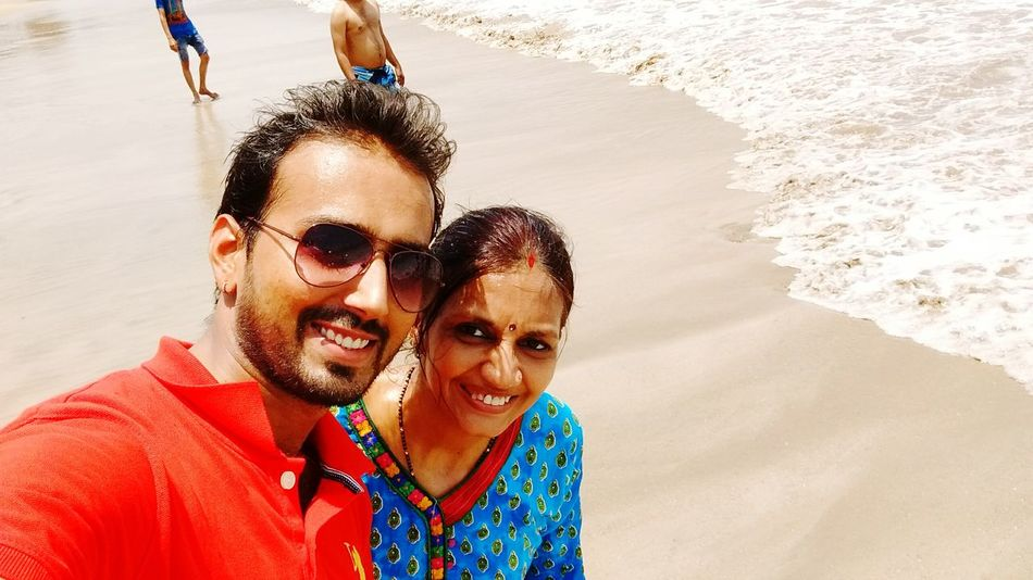 People Of The Oceans Selfie ✌ Beach Photography Beach View Bestoftheday Iphonephotography Selective Focus Awesome_view Diu_beach Enjoying Life Expectional Photography Living The Dream Hanging Out Relaxing Loving It :-)