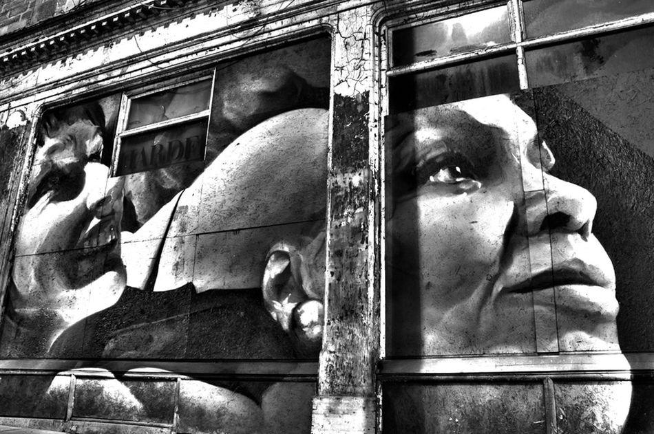 TobiasPhotoArt Edinburgh Streetphotography Writing On The Walls