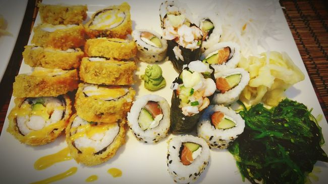 Sushi time!! Sushi Time Sushi Sushi Restaurant Sushi Love Sushis Sushiaddict Sushilover Eating Sushi Sushiporn Food Foodphotography Foodporn Chopsticks