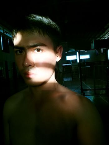 Portrait Looking At Camera Young Adult One Person Real People Lifestyles Indoors  Only Men Adults Only Adult Night People One Man Only Close-up Workout workoutgymfitness Human Eye Shirtless Selfies Men Illuminated Reflectionworkoutgymfitness Workoutmotivation Workoutselfie EyeEmNewHere
