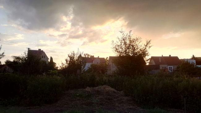 Západ slunce v Řehlovicích. Sky Village Sun