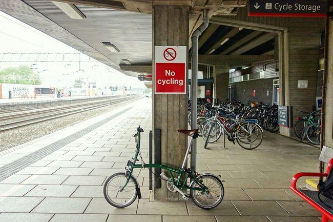 Brompton Bicycle Train Station Cycling Commuting Bicicleta Bici Bikeporn Perspective