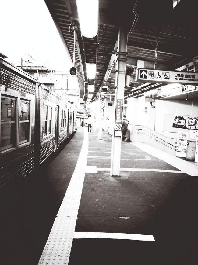 京成金町降車