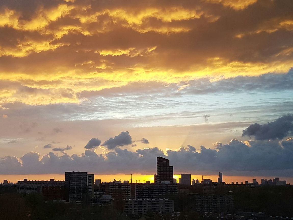Rotterdam Sunset Stunning Nofilter View Awesome City Thenetherlands Beautiful Cloudporn Clouds Romantic