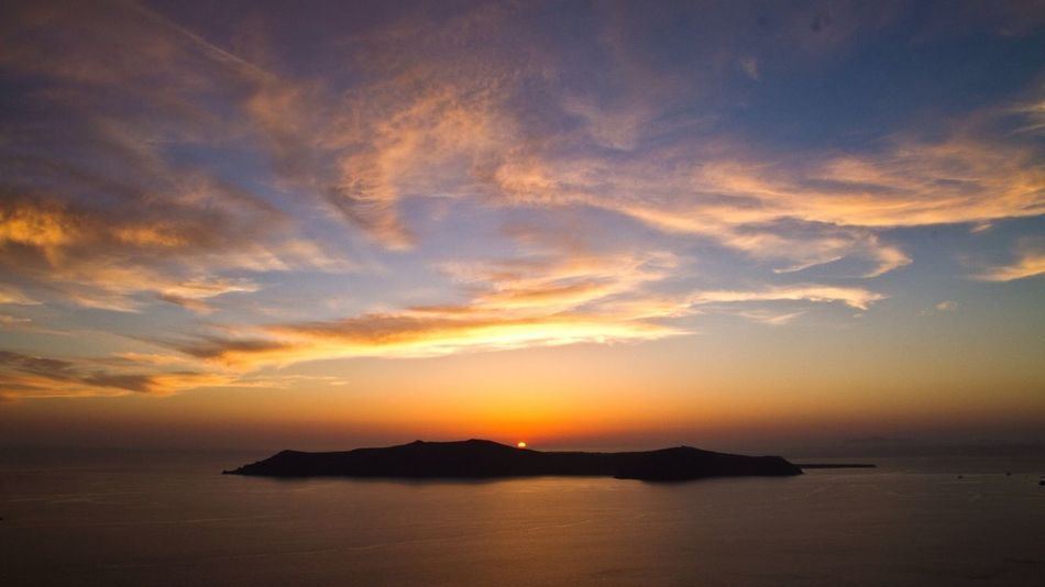 Sunset Silhouettes Enjoying Life Amazing View Holiday