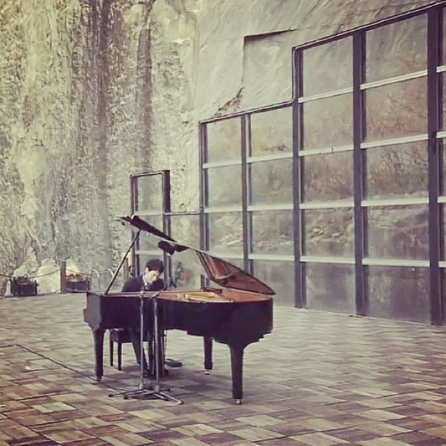 It's a Yiruma kind of night. Beautiful music <3 Favorite Pianist Thebest