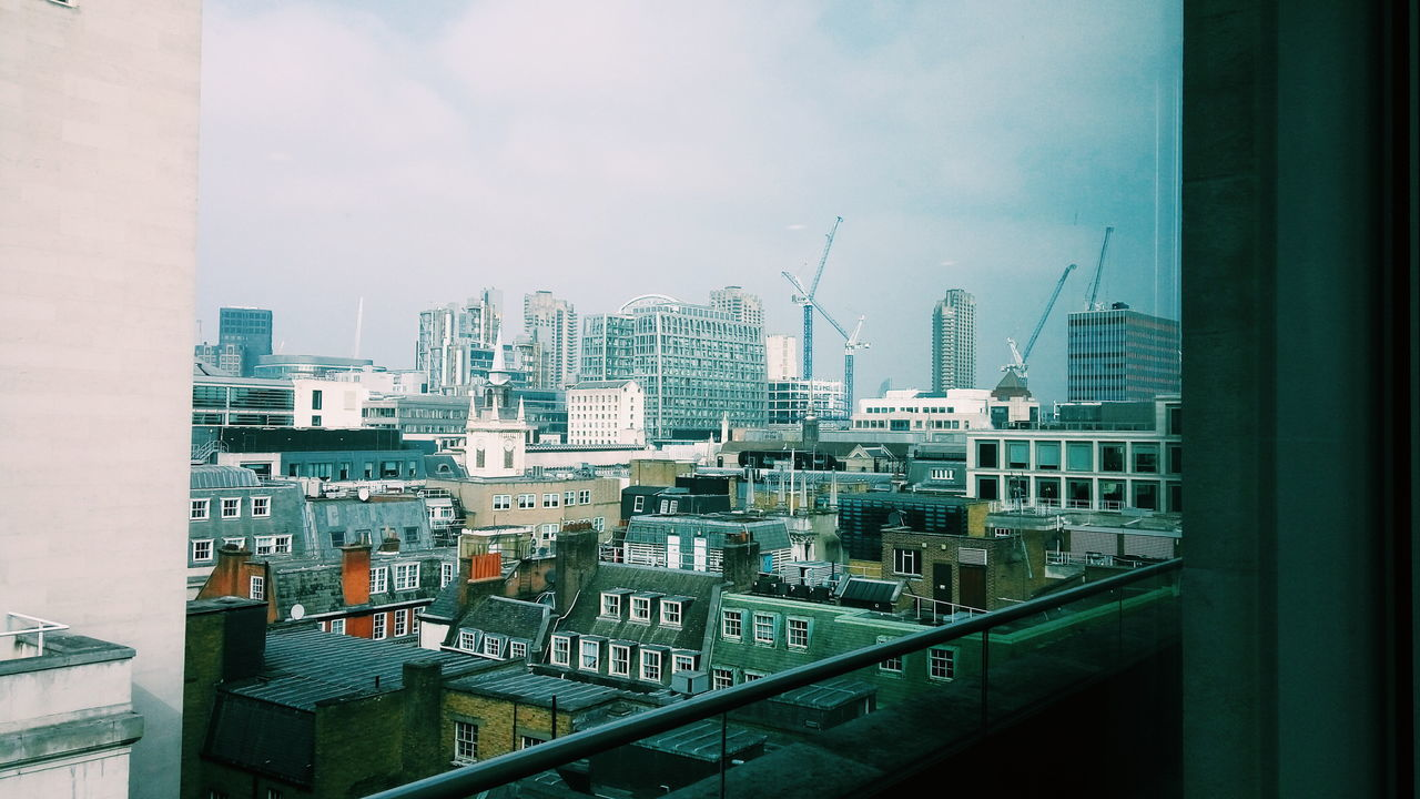 Spectacular view from the office today.. View London City Work Office Office View Spectacular Viewoftheday Viewofthecity Touristinmyowncity Cantbeattheview