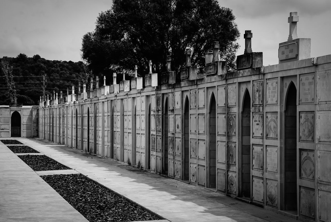 Architectural Column Architecture B&w Black And White Built Structure Cemetery Cemetery Photography Column Friedhof Historic Holiday In A Row Mallorca Mausoleum Outdoors Repetition SPAIN Spanien Spanish Travel Destinations Urlaub