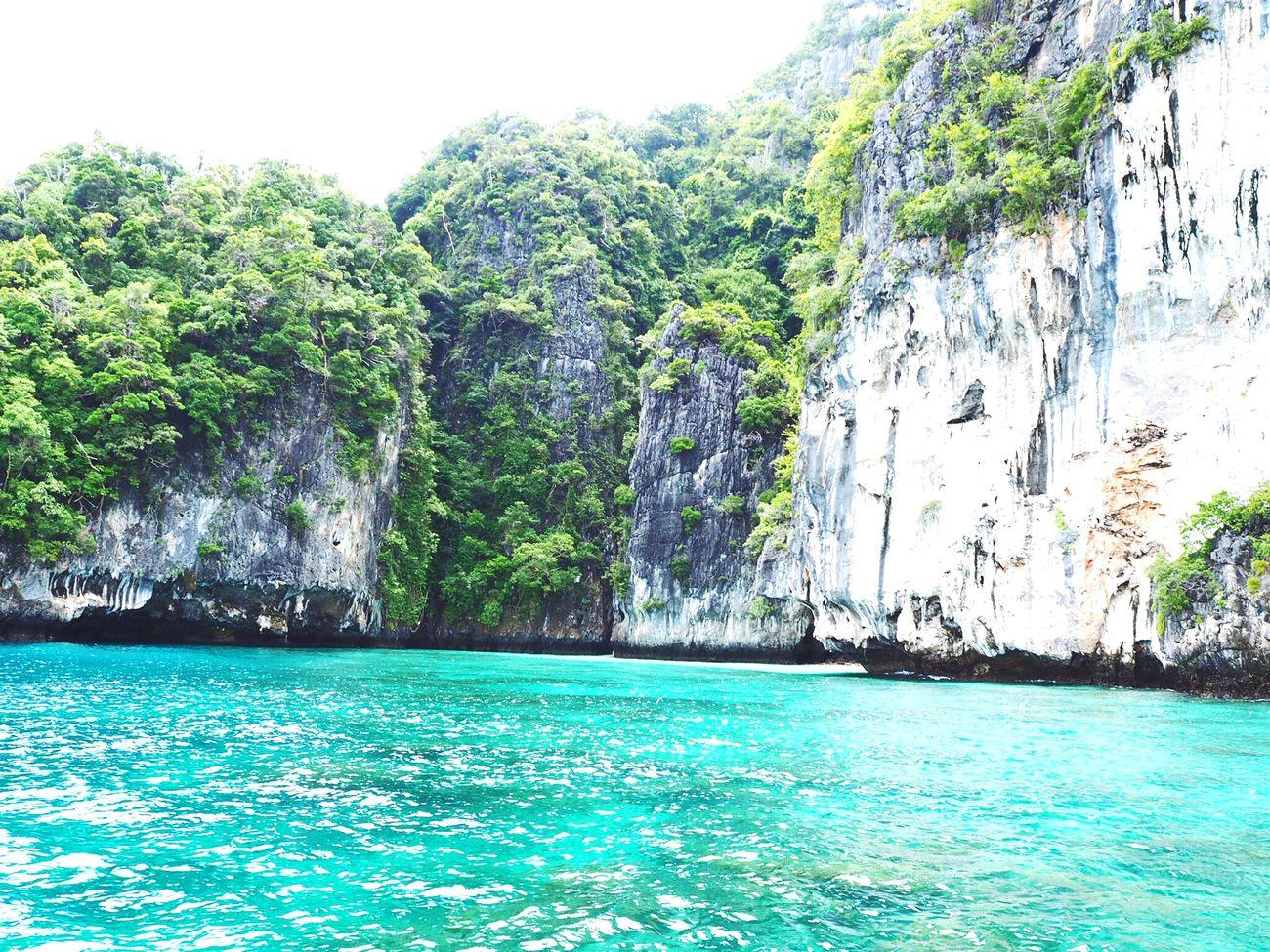 Apart of Maya island @Phuket in Thailand..Amazing sea beach!!white sand and green sea.My dream beach Mayabeach Phuketisland Amazing View Beautiful Day Ocean Shores Andaman Sea Andamanislands Lovely Nature