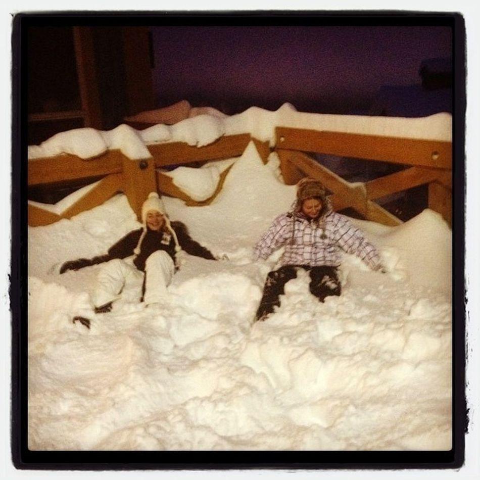 Mackenzie And Rhiannon Enjoying The Snow