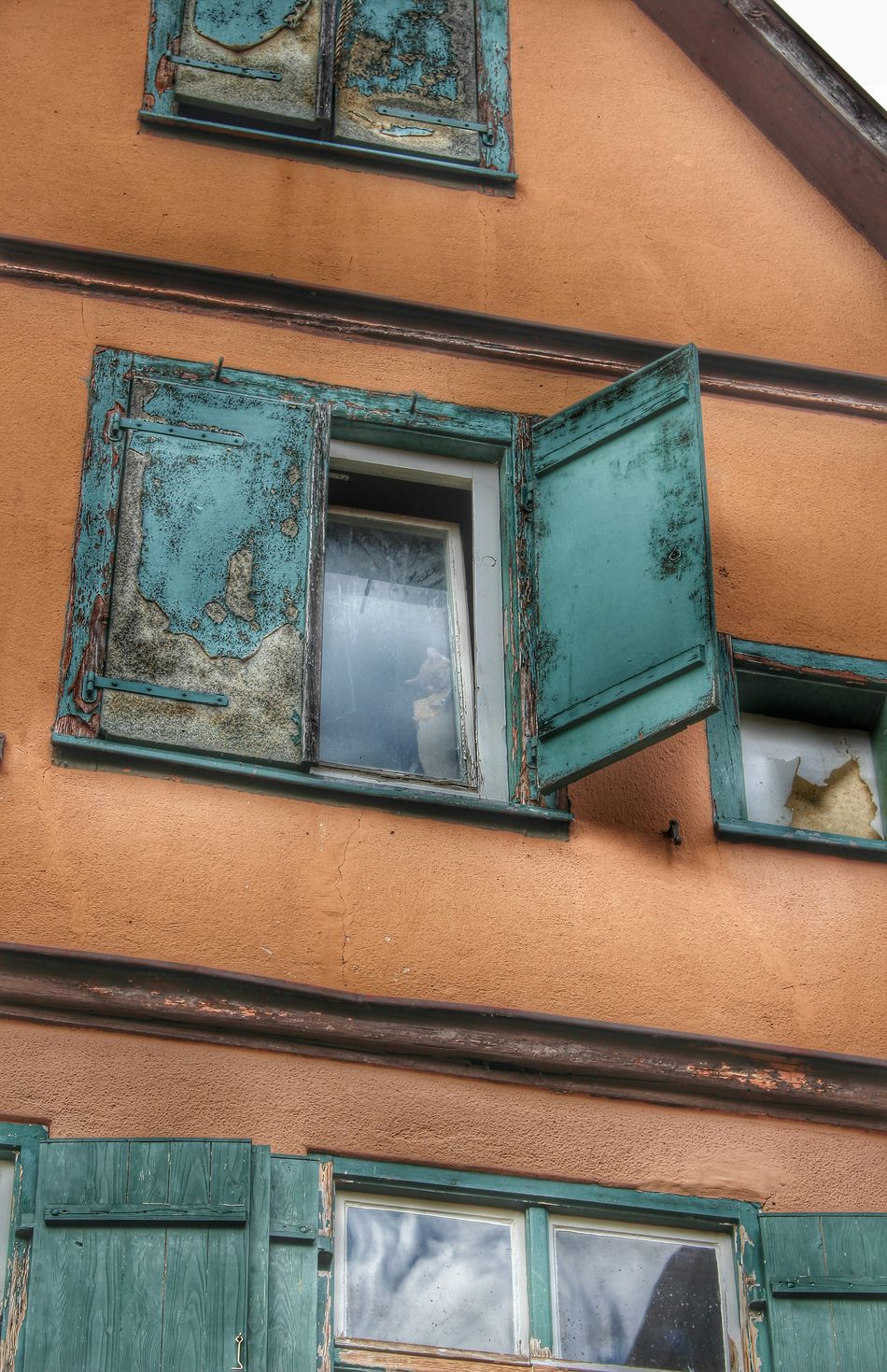 Taking Photos Take A Walk With Me Eeyem Photography Eeyem Followers Old House Old Building  Windowlovers