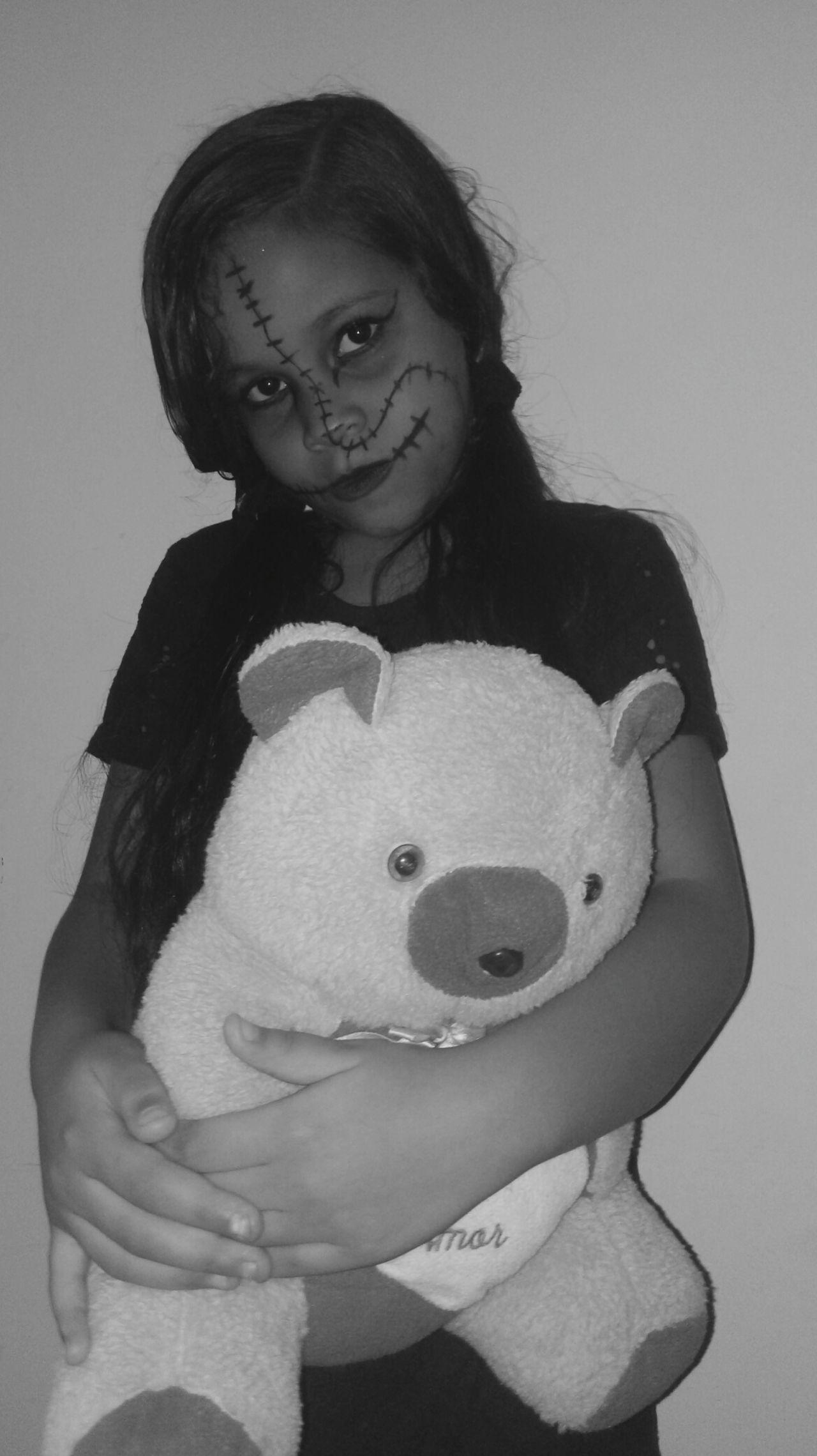 Menina Criança Bonecaassassina Dark Halloween Boneca Doll Assustador Foto Pinturafacial Arte Face Artenaface EyeEmNewHere