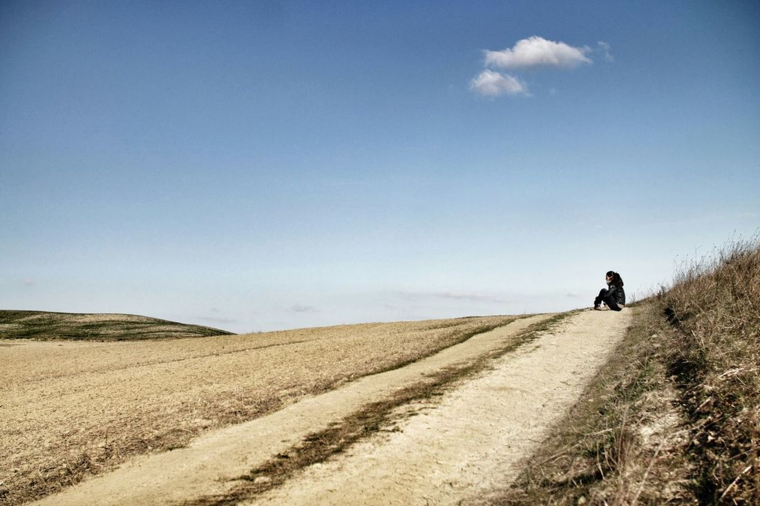Please stop talking Explore Tuscany Toscana Slow Life Italia Italy Siena Italy Countryside Tuscan Landscape Landacape Valdorcia San Quirico D'Orcia Pienza Fieldscape Terra  Moments Solitude WinterSolitary Collections Nature_collection February