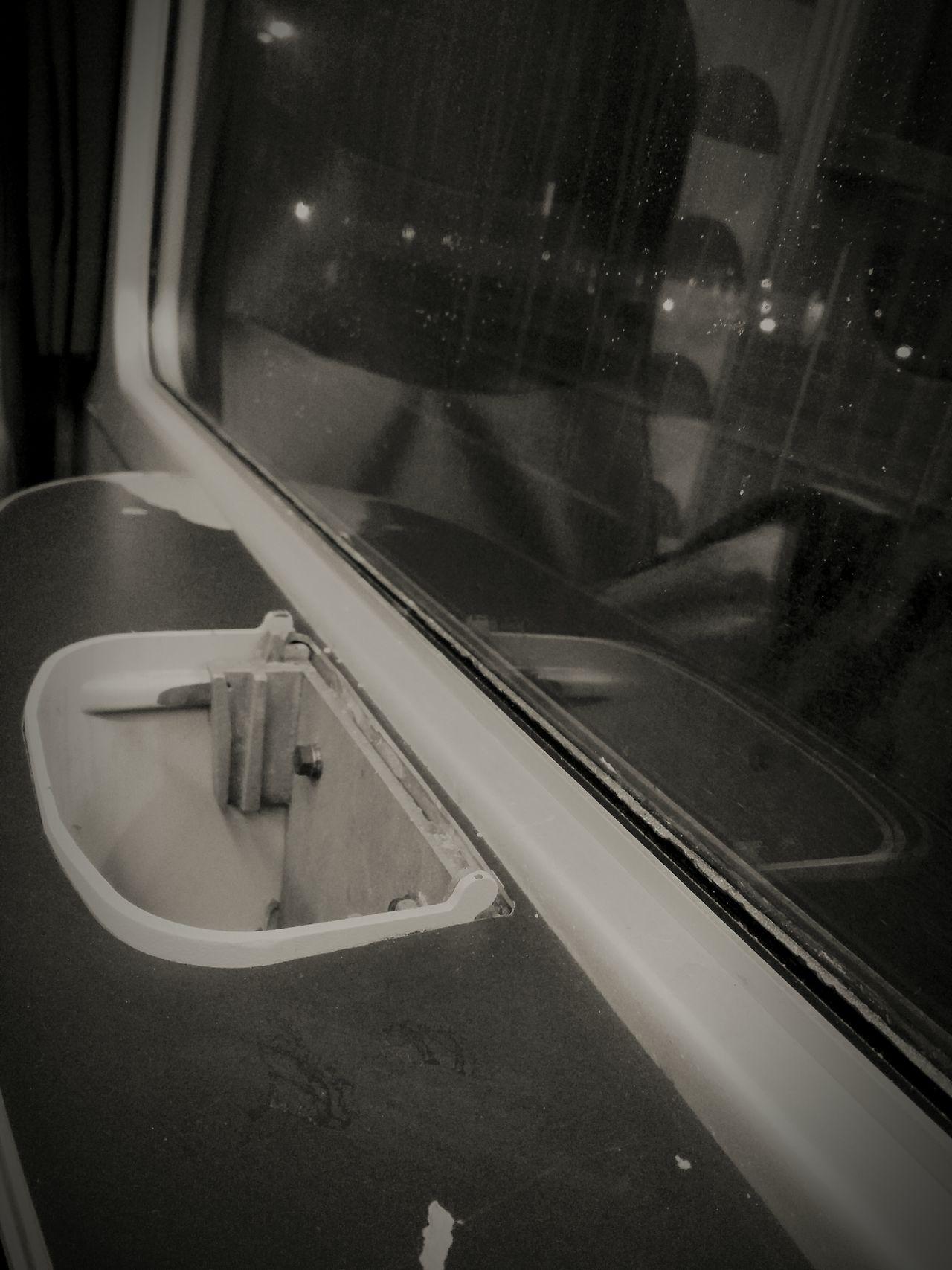 Adventure Buddies You're Not Alone Travelling Train Degrado Italia Regresso Quartomondo Secondaclasse Carro Bestiame