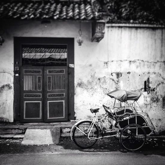 Architecture Built Structure Building Exterior House Outdoors No People Day Window Transportation Stationary Becak Lasem  Old Door Blackandwhite
