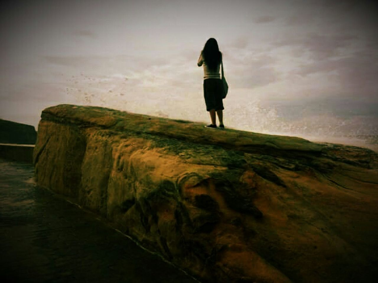 rear view, full length, one person, standing, sea, silhouette, one woman only, outdoors, beach, women, adult, horizon over water, nature, real people, day, young adult, adults only, beauty in nature, only women, one young woman only, people, sky