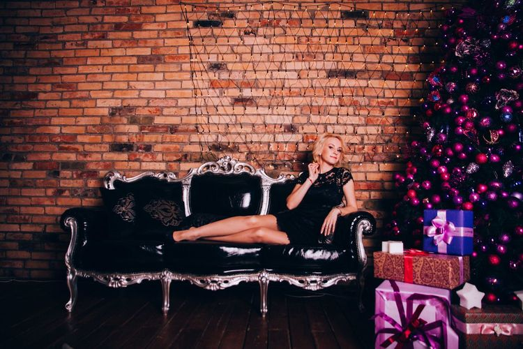 Brick Wall Adults Only Adult One Woman Only Women One Person Only Women People Indoors  Happiness Family Girls Looking At Camera Mother Bonding Adult Fun One Young Woman Only Novosibirsk Долгополова Toddler  Full Length Toddler  Babies Only Childhood