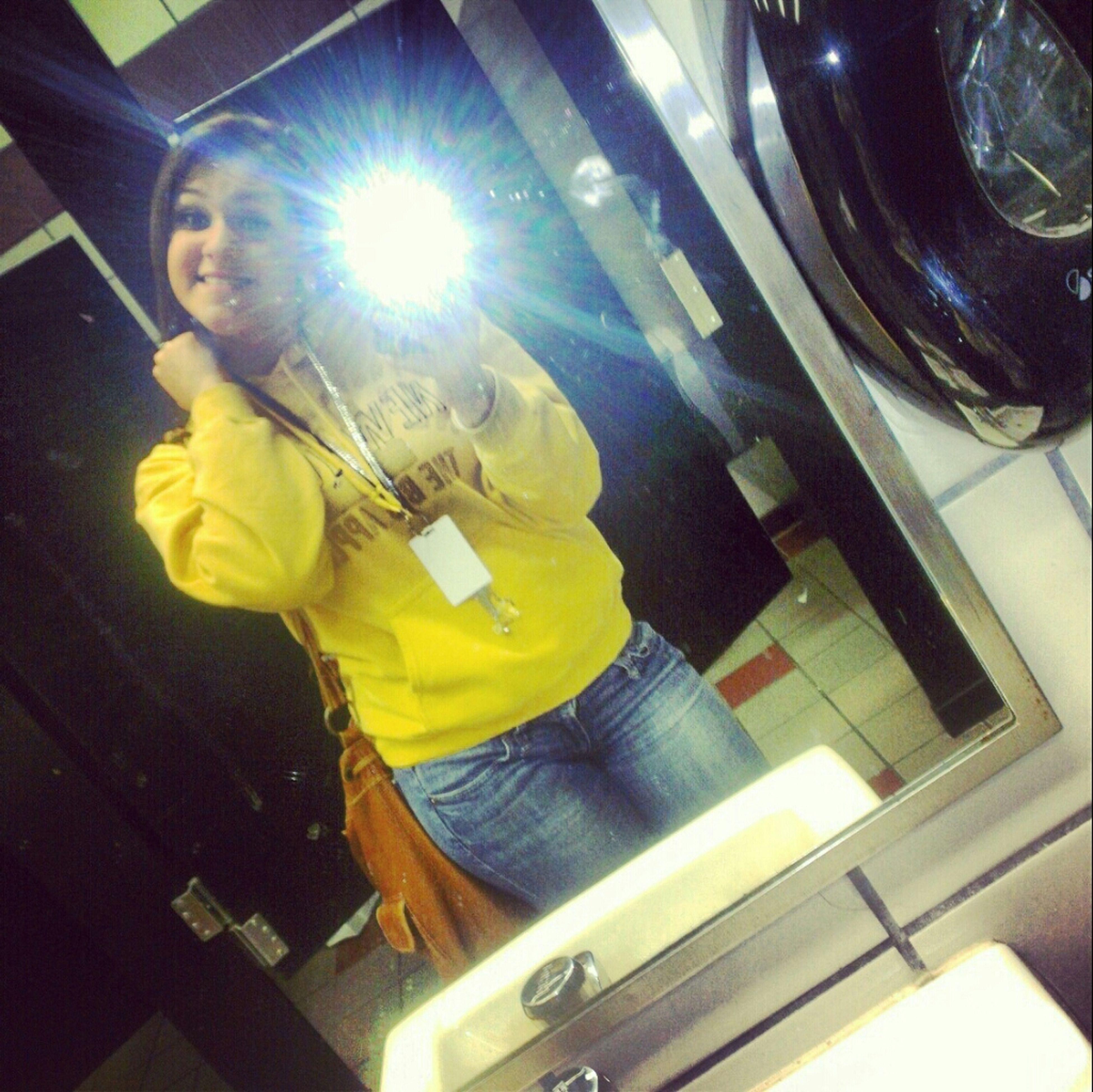 School earlier , #BumminIt #Yellow #Smile #Friday #Bathroom #SomethingSlight