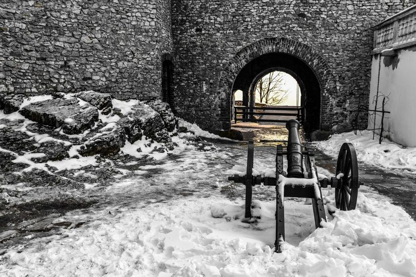 Castle Castles Stone - Object Cannon Old Historic Historical Building Travel Destinations Cold Temperature Nature Old Buildings Architecture_collection Exceptional Photographs EyeEm Selects EyeEm Best Shots Taking Photos EyeEm Masterclass Black And White With A Splash Of Colour Sunlight Eye4photography  Eyem Best Shots Snow Arch Winter No People Cold Temperature Day Built Structure Architecture Colour Your Horizn