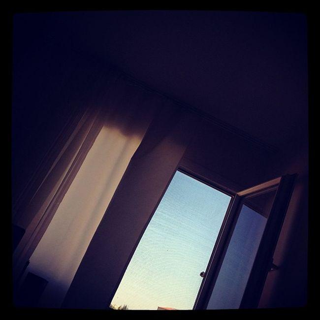 Muratgilin camından atlayamadım isimli çalışmam. IPhoneography Iphoneonly Igersturkey Photooftheday Pencere