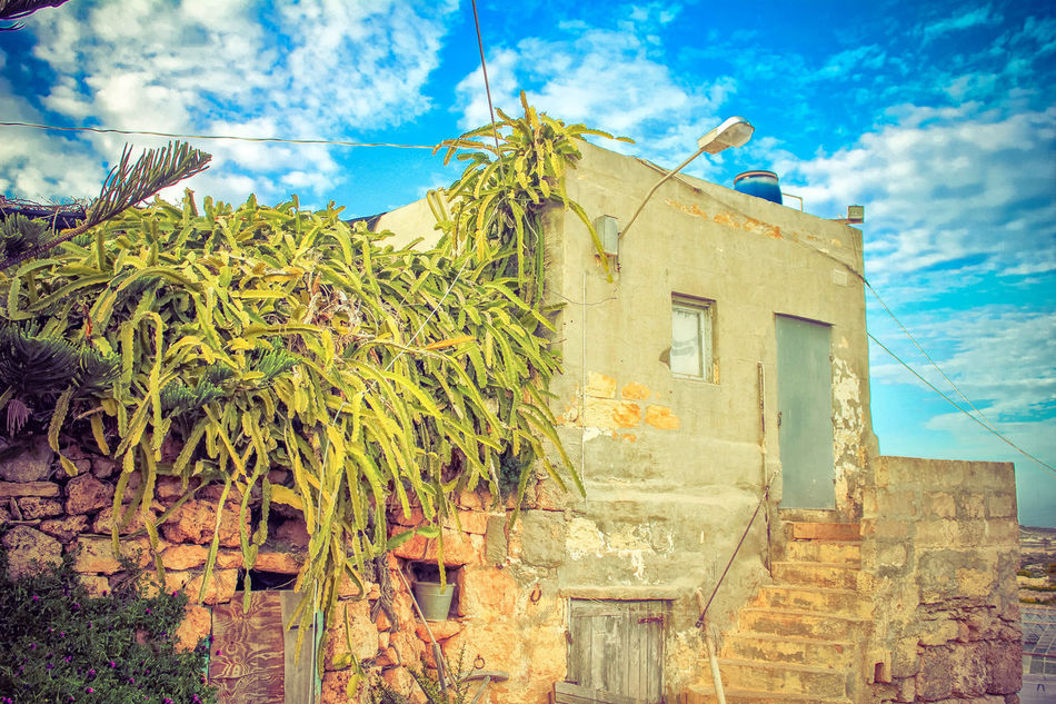 loney house in the nowhere Architecture Built Structure Cloud - Sky Low Angle View Malta Maltaphotography No People Outdoors Sky