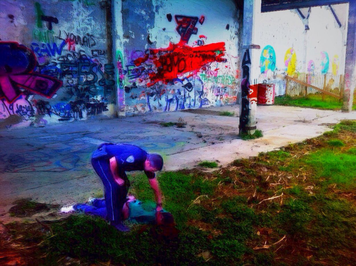 Various Energy Sources I Invaded The World I Do Not Know Not The Method Streetphotography Behind The True Wall A Mac Morning Or I Shoot Light And Shadow Human Representation Bang On Target Urban Exploration