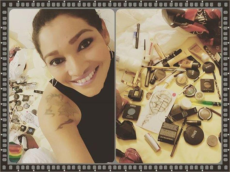 Eu e minhas bagunça na hora de sair! 😅😅🙆🙊👏✔ Bagunça Bagunceira Make Makeup Maquiagem Lovemakeup Kiko Kikomilano Kikomakeup KikoMakeUpMilano