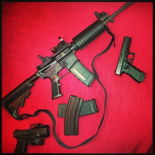 223feb23nationaldayofresistance Windham Ar15 Glock19 glock17 magpul30roundmags mbus reflexsite 556mm 16inchoneninetwist