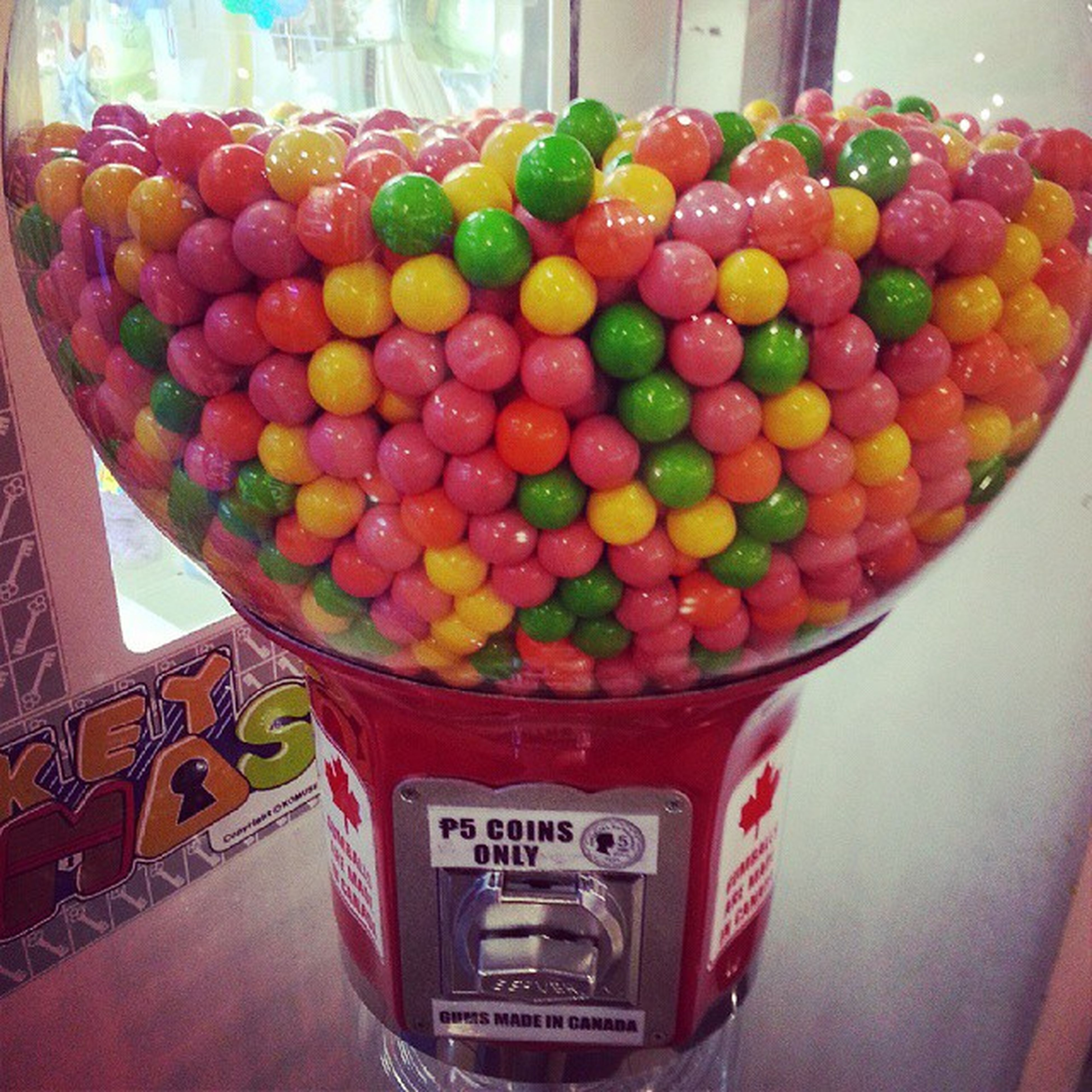 Went to the mall and saw this awesome Gumballs!!! Inspired by Theworldofgumball 今日はモールへ行きます。